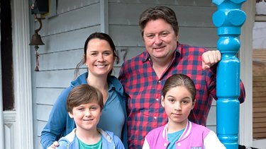 Dave O'Neil with his TV family in the sitcom Dave.
