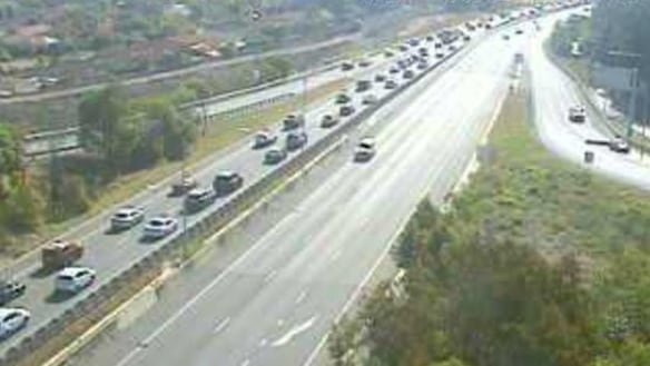 More than 15km of traffic delays greet beach-goers returning to Brisbane