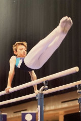 Ramm on the parallel bars.