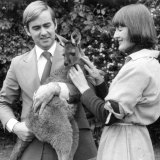 Helen Jones Fairnie with fellow AVA board member Dr Mike Bond in 1979, with a western grey kangaroo destined for Russia as part of the AVA's successful bid to hold the World Veterinary Congress in Perth.