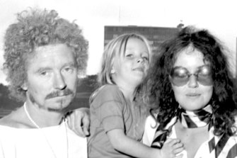 Brett Whiteley in Sydney with Wendy and their daughter Arkie in November 1969.