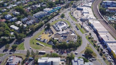 The current notorious Indooroopilly roundabout.