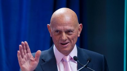 'Irresponsible': Retail magnate calls for urgent passage of tax cuts