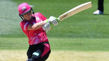 Ellyse Perry is making the move to Victoria.