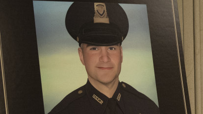 Bear spray suspected as cause of officer's death in Capitol riots