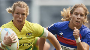 Emma Tonegato on the burst for Australia.
