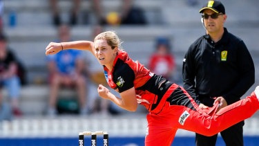 Young spinner Sophie Molineux is pushing for Test selection.