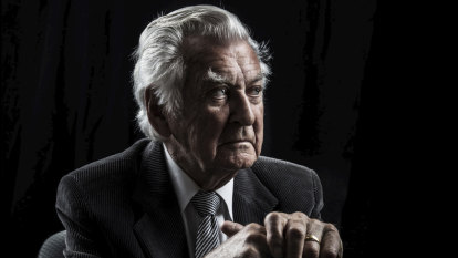 Bob Hawke, Labor legend and former Australian prime minister, dies aged 89