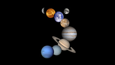 The planets (from top to bottom) Mercury, Venus, Earth and its moon, Mars, Jupiter, Saturn, Uranus, and Neptune.