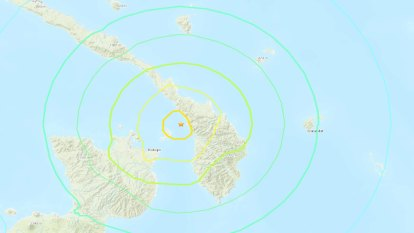Powerful quake strikes coast off Papua New Guinea triggering tsunami warning