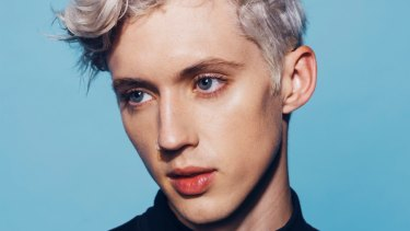 troye sivan i asked google how to become a famous singer. Black Bedroom Furniture Sets. Home Design Ideas