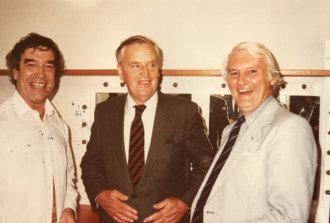 Conductor Werner Andreas Albert (left), Queensland Premier Joh Bjelke Petersen and Charles Grahame (right)
