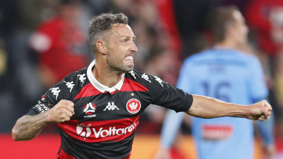 Debutant worth the wait for Wanderers as crucial goal seals win in Sydney derby