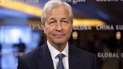 JPMorgan entices chief Jamie Dimon to stick around with a lucrative carrot