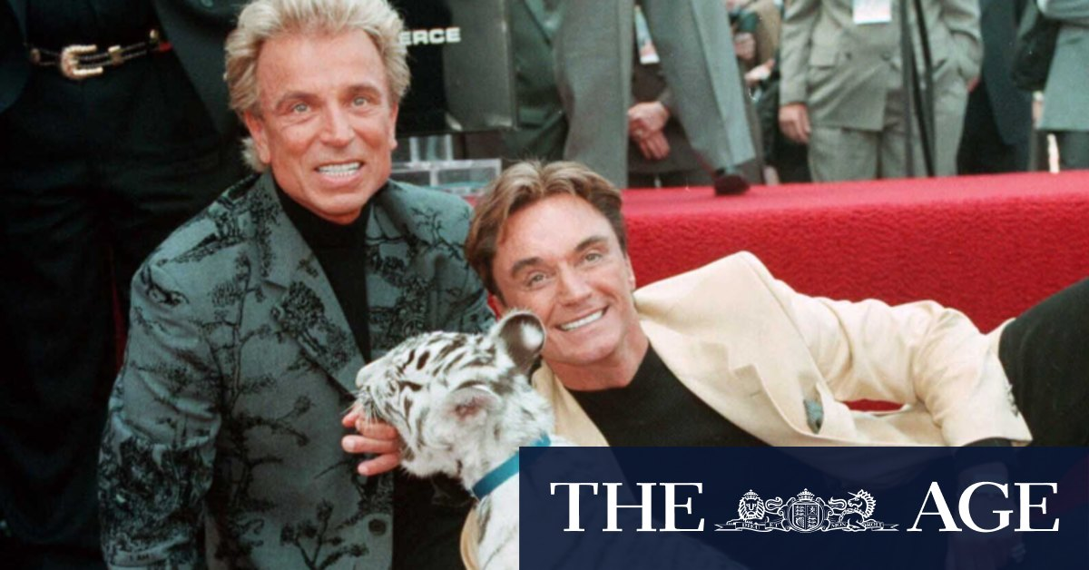Siegfried Fischbacher, of magician duo Siegfried and Roy, dies at 81