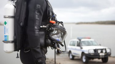 Rescue divers have searched the last known location of the missing man, off Elliot Heads, but have found no sign of him.