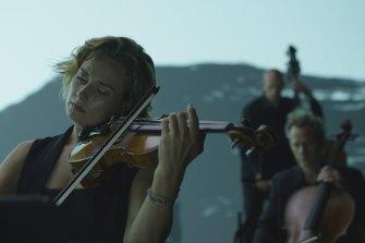 The Australian Chamber Orchestra performs Tabula Rasa.