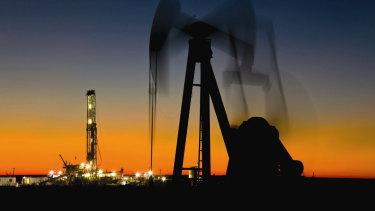 Pickens worked for Phillips Petroleum for about three years before borrowing $US2,500 and going out on his own. He and two investors formed an oil and gas firm called Petroleum Exploration.