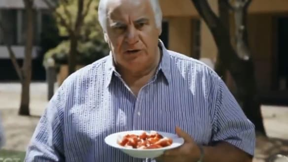 Sam Kekovich joins #SmashAStrawb campaign for Australian strawberries