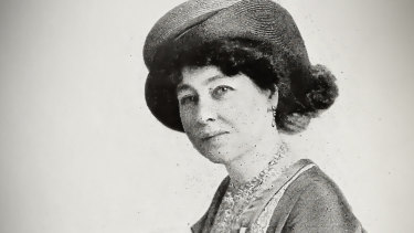 Alice Guy-Blaché was one of the first movie makers to use close-ups, hand-tinted images and synchronised sound.
