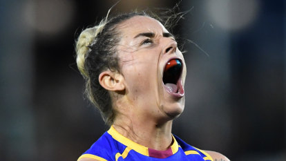 Lions AFLW player Jess Wuetschner struck by lightning