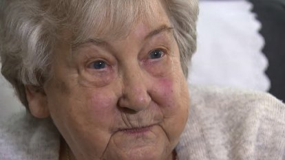 WA great-grandmother wants Pfizer for all after rare reaction to AstraZeneca jab