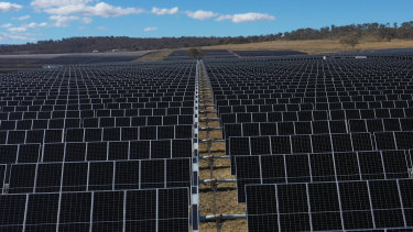 UQ's new solar farm at Warwick is being officially opened on Friday, completely offsetting its power use.