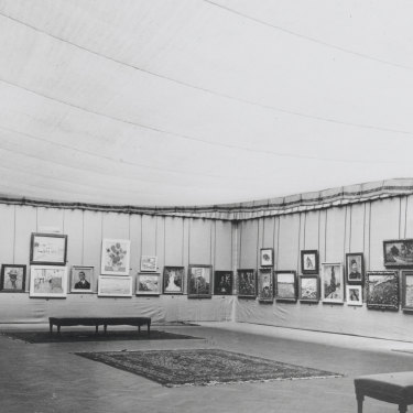 """Jo pushed for major showings of Vincent's work, such as at the """"Kunst van heden"""" exhibition in Antwerp, 1914."""