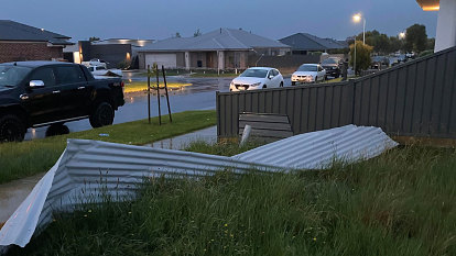 'I've inherited someone's shed': Flash flooding expected as wild winds batter Ballarat