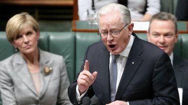 Former minister for trade and investment, Andrew Robb is among the first witnesses to give evidence at the Mental Health Royal Commission's public hearing.