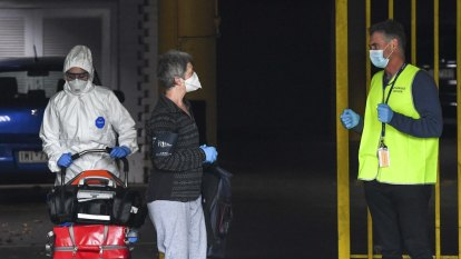 Leaked emails show Victoria's hotel quarantine system was stretched, cobbled together