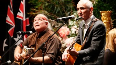 Kev Carmody and Paul Kelly sing <i>From Little Things Big Things Grow</i> at Gough Whitlam's funeral.