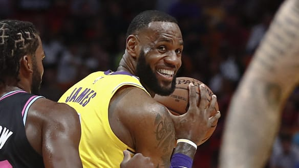 LeBron James drops 51 as Lakers rout Heat