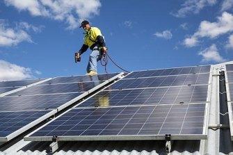 Labor will subsidise rooftop solar panels.