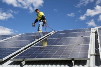 Labor will subsidise rooftop solar panels.