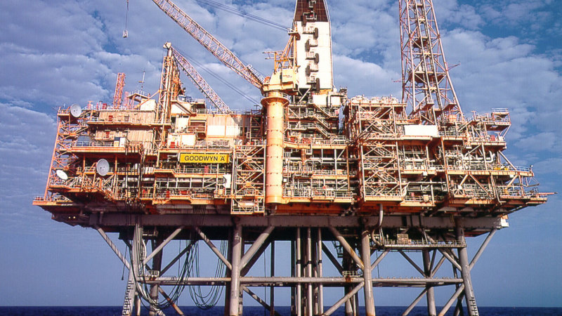 Chevron puts stake in $34b North West Shelf LNG venture up for sale – Sydney Morning Herald