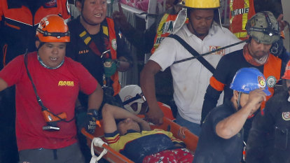 Dozens missing in Philippines earthquake rubble