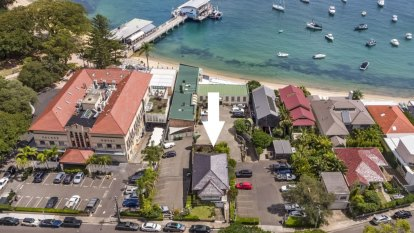 Watsons Bay property owner selling up after nearly 16 years behind Doyles on the Beach