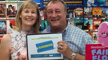 Lyn and John Borszeky are closing the last blockbuster store in Australia.