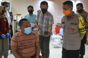Police held members of three families from South Sulawesi for questioning after they took the dead bodies of their family members, who died from coronavirus, from hospital so they could be buried.