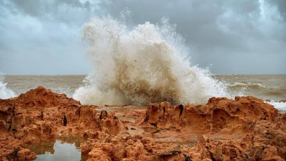 'It's just a constant howl': Pilbara braces as cyclone Veronica inches over coast