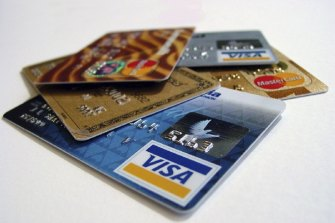 Australians have slashed their credit card debt accruing interest by more than $7 billion in the past 18 months.