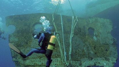 Plan to retrieve Titanic radio spurs debate over human remains