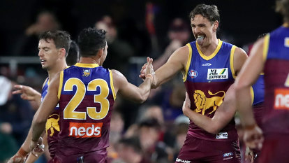 As it happened: Daniher's Lions smash Dons; Power ease past Blues; Dogs destroy Suns; GWS pinch thriller against Swans