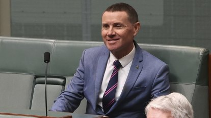 Andrew Laming refuses to give up committee position despite vow to stand down