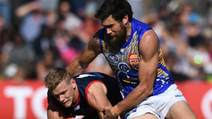 Eagles leave it late to find a way past the Demons
