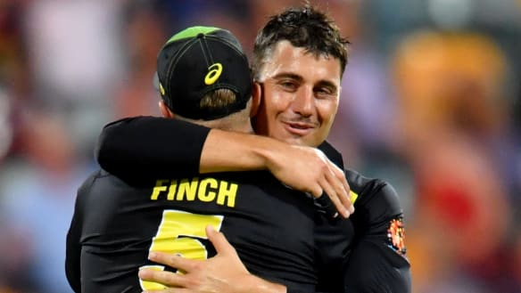 Marcus Stoinis delivers in the clutch as Australia squeak to T20 win