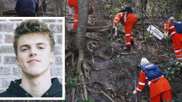 SES workers search for Theo Hayez (inset) at The Pass in Byron Bay last month.