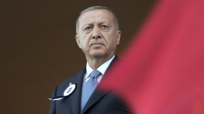 Erdogan unhappy Turkey can't have nuclear weapons