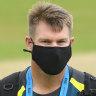 Warner takes private jet to Melbourne to dodge Sydney virus cluster